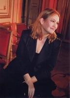 CAROLINE-PHOTO-sitting-2011